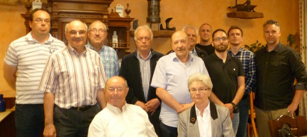 Gruppenbild mit allen anwesenden Mitgliedern bei der Mitgliederversammlung am 12.Mai.2016